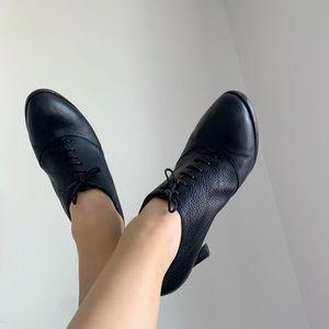 +Jil Sander Black Leather Lace Up Heel Ankle Boot